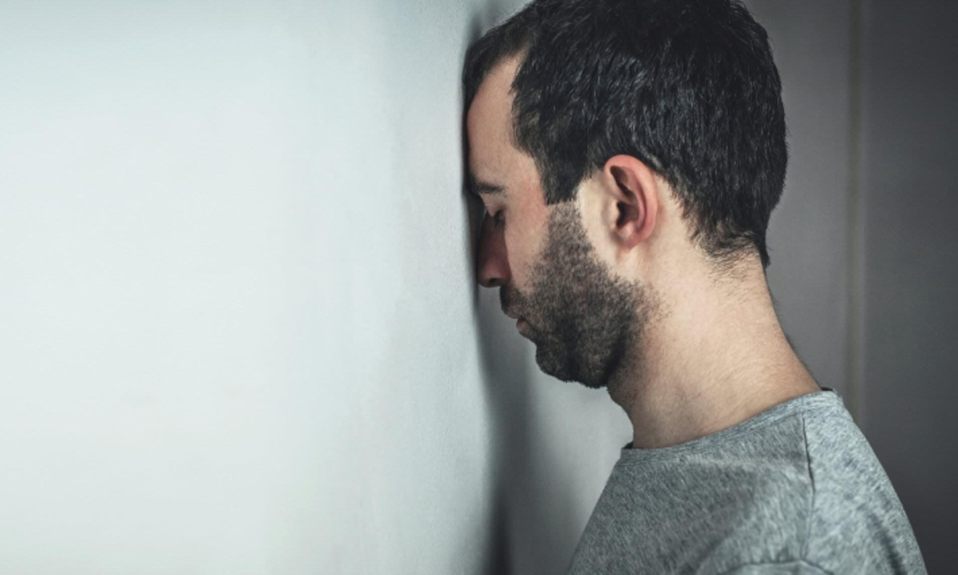 Trei ieseni au incercat sa se sinucida de dorul iubitelor ramase în Italia