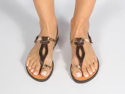 Cum sa fii chic cu sandalele potrivite?